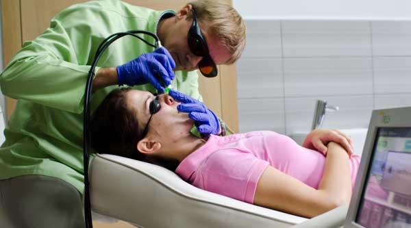 Dzięki technologii laserowej skuteczność zabiegów usuwania naczynek jest bardzo duża (fot. Pink Media)