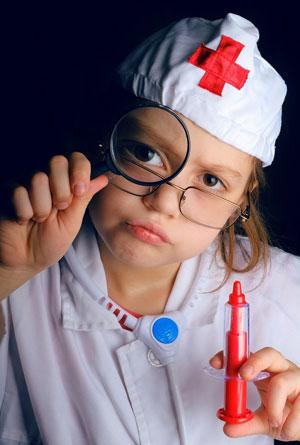 Aby zostać lekarzem medycyny estetycznej nie wystarczą dobre chęci (fot. Berzin/Pixabay)